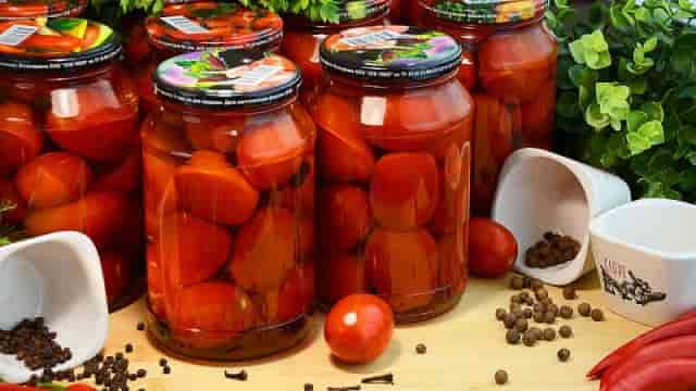 Принципы приготовления сладких помидоров без уксуса